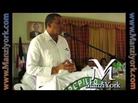 Yanko Bejarán habla del Gredal del Ayuntamiento de Manzanillo.