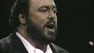 Luciano Pavarotti Video - Luciano Pavarotti. 1987. Chitarra romana. Madison Square Garden. New York