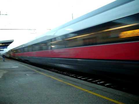 ETR 500 frecciarossa in transito a sesto fiorentino.