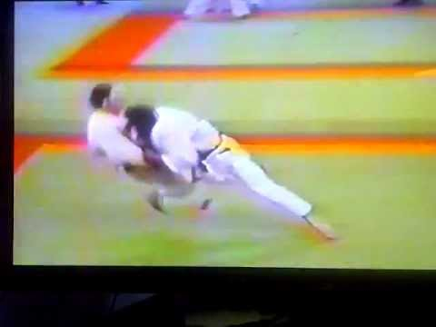 Judo throw takedown Osoto Otoshi 1995 Image 1