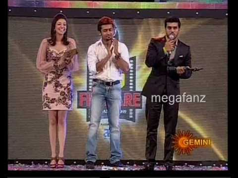 Ram Charan Receiving Film Fare For Magadheera video