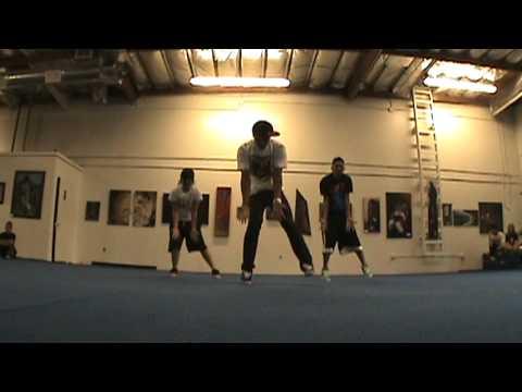 Pat Cruz - Usher feat Pharrell - Whats A Guy Got To Do