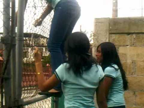 Un dia en la escuela (The Girls Vlog)(video simple)
