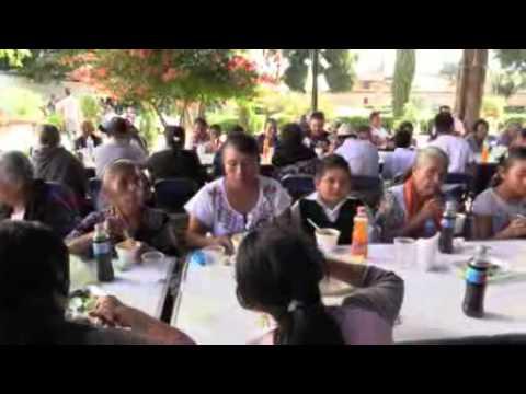 la comida  de la fiesta del parroco gerardo video 2