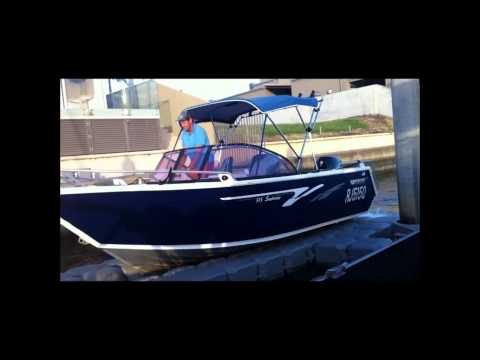 FloatBricks Boat Docks - Launch and dry-dock your boat in Seconds