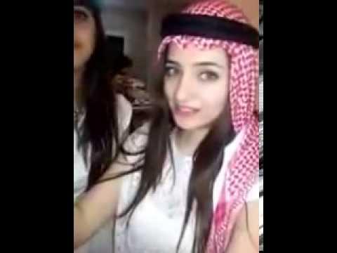 بنت لبنانيه تقلد الشباب السعودي في موقع الكيك keek.mp4