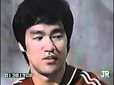 Bruce Lee | Teaching Jeet Kune Do Image 1