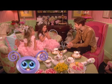 Sophia Grace & Rosie Do Tea With Justin Bieber! video