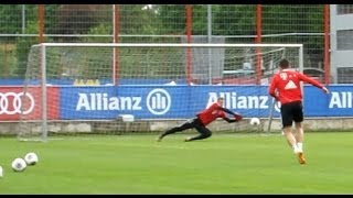 FC Bayern Munich - Shooting training and incredible saves of Manuel Neuer - Schusstraining Robben