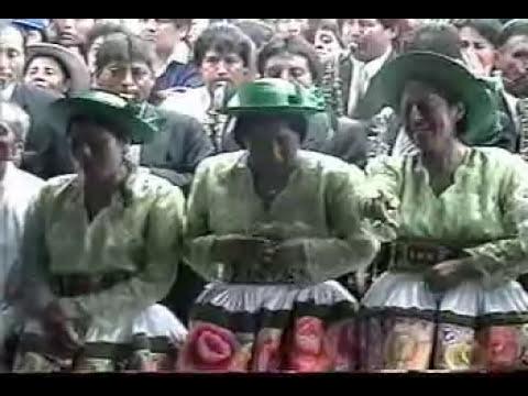 Chicas Rosas y Claveles (Entierro de Frida) - Part 2