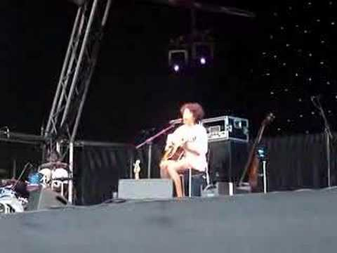 Corinne Bailey Rae - Glastonbury Abbey 10 / 08 / 2007