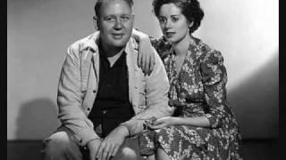RARE: Charles Laughton and Elsa Lanchester Sing