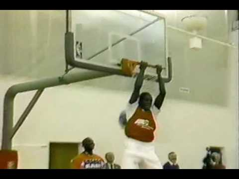 Larry Jordan (MJ s brother) dunking