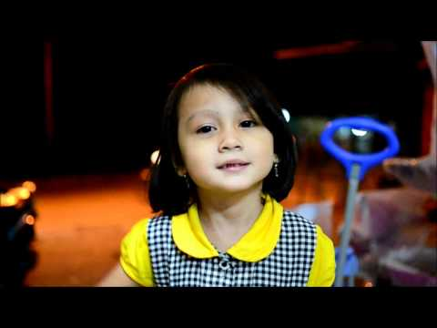 Nikon D3100 35mm f1.8 Low Light Video