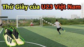 Thử Thách Bóng Đá sút Vô Lê như Ronaldo với giày của Đoàn Văn Hậu , Phan Văn Đức U23 Việt Nam