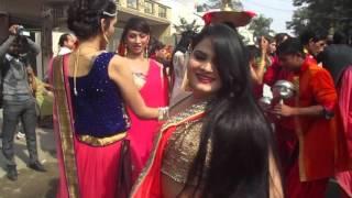 LIVE : Hot Sexy Kinner At Faridabad Road