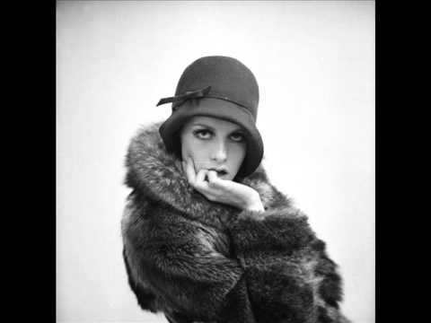 Lee Hazlewood - The Girls In Paris