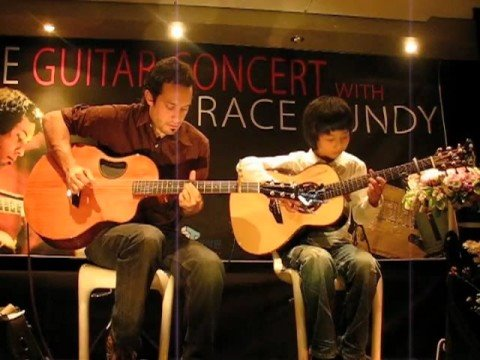 Trace Bundy & Sungha Jung playing Canon on Acoustic Guitar