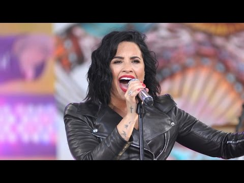 "Demi Lovato Performs Hits On GMA & Holds Longest Note During ""Stone Cold"""