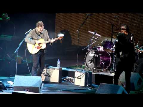 Vince Gill - Trying to get over you Live  London O2 Country...