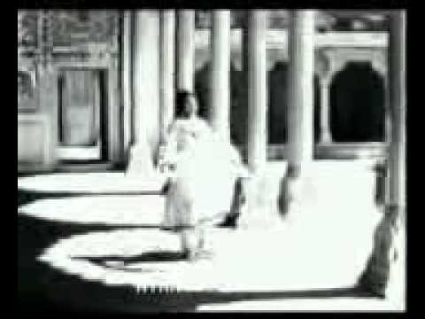 Nigahen Mila Kar Badal Noorjahan video