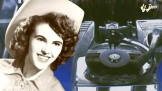 Watch Wanda Jackson Cash On The Barrelhead video