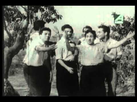 Prithibita Bonbon Ghurche - Bengali Movie Song - Ram Dhakka -...