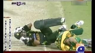 Faf Du Plessis and Ahmad Shehzad collision   Pak Vs S A cricket match
