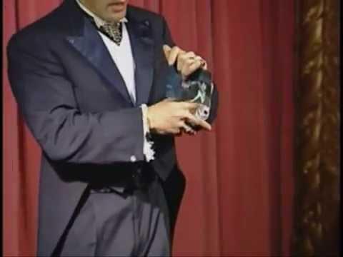 סרטון המציג איך קוסמים מתעללים ביונים