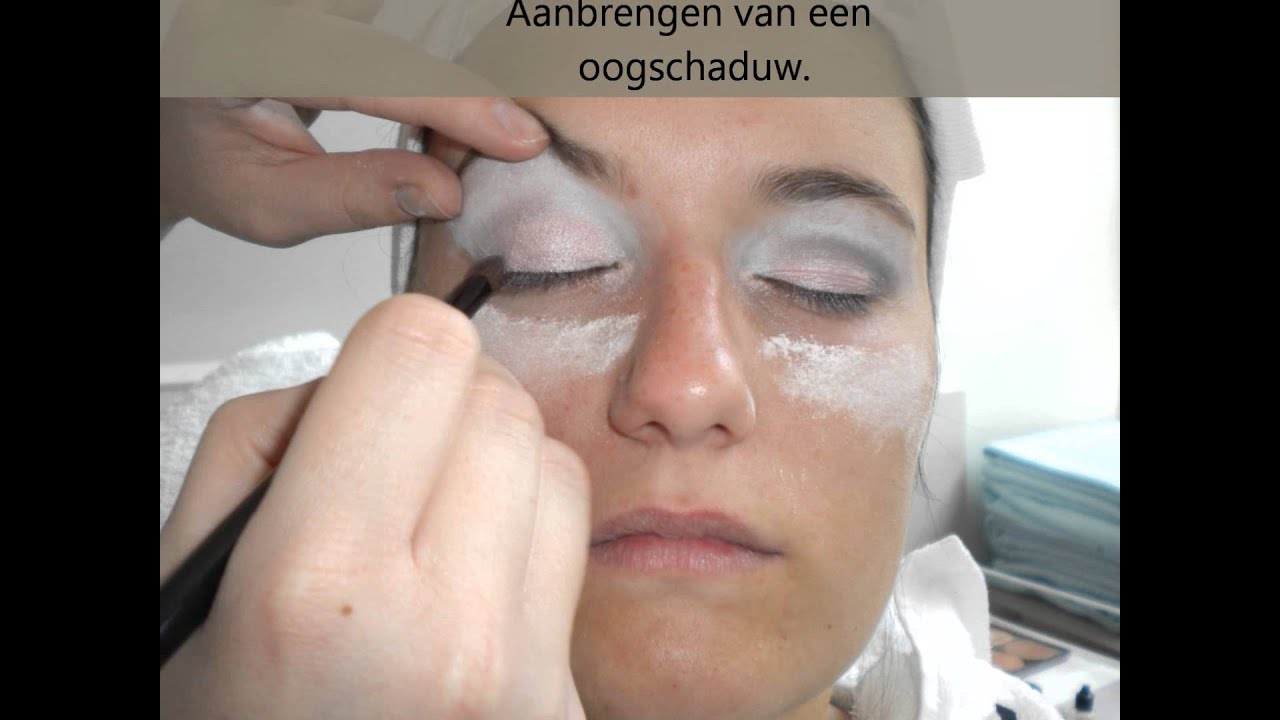 Make up hangende oogleden