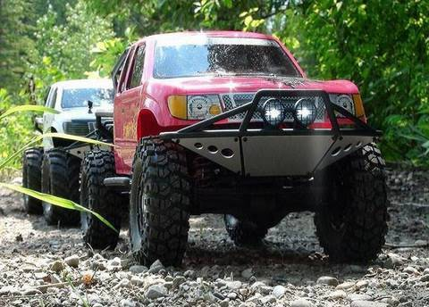 RC ADVENTURES - SCALE RC TRUCKS # 19 - MEDiC's MONSTER TRUCK Meets JEMS PINKY - AXIALS IN LOVE