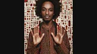 K'naan - Waving Flag Celebration Remix [FIFA World Cup 2010]
