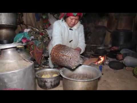 Making traditional alcohol and food of maize by using primitive technology