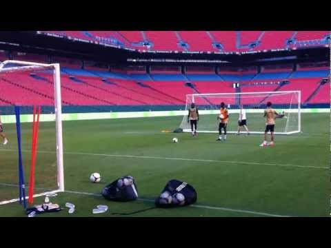 Romelu Lukaku and Nathaniel Chalobah PK Shootout (Ashley Cole Panenka)