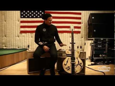 Tom Delonge talks about his guitar gear