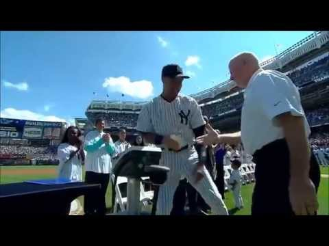 Derek Jeter is presented a G5 Professional Massager