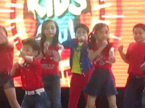 Jc Tan Dancing Jollibee Theme Song   Sm Nova Dec 14 2014 video