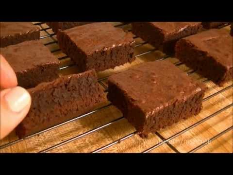 How to Make Extra Moist & Rich Chocolate BROWNIES!!