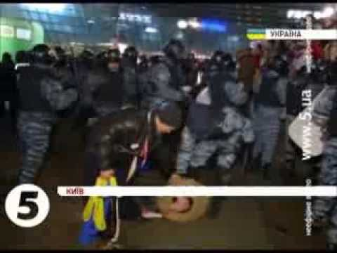 2013 Ukraine pro European Union peaceful protests: Yanukovych ordered police to attack civilians