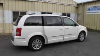Chrysler Town & Country Limited V6 2010