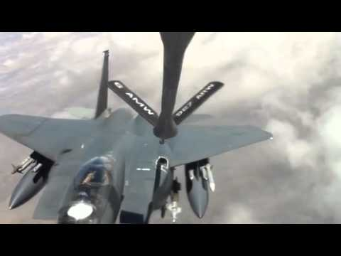 F15 goes inverted after refueling