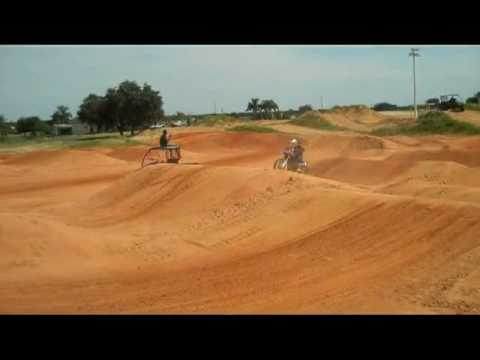 James Stewart riding 2010 Yamaha yz450f sneak preview Video