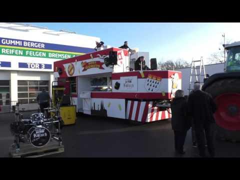 Es wird alles für den Wahner Karnevalszug vorbereitet!