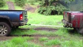 Dodge Ram 2500 vs Nissan Titan - TUG O WAR.MOV