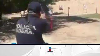 Policía guarda su pistola y se dispara en la nalga   Qué Importa