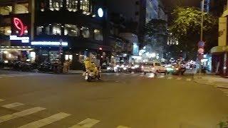 Taxi Mai Linh rước khách giữa đường cản đoàn xe VIP bị CSGT chửi - Taxi block VIP convoy