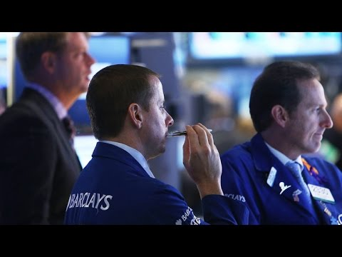 MoneyWatch: Investors await economic data; European airlines get new perk