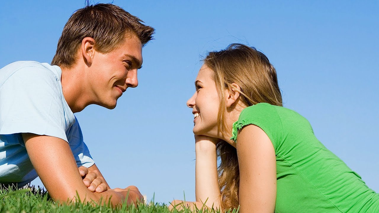 LOVE - 8 Signs A Guy Likes You