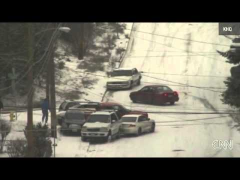 Vehicles lose control on ice Spokane Washington 18.12. oder Autoballett on Ice