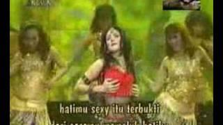 Mulan jamela Mahluk tuhan paling sexy ...Cilacap